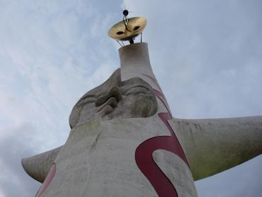 直接見ないと伝わらない大迫力の太陽の塔
