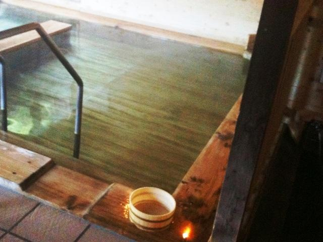 檜のお風呂が落ち着きます