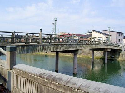 ■東山周辺>主計町界隈■ 中の橋:情念を秘めた浅野川の水景色