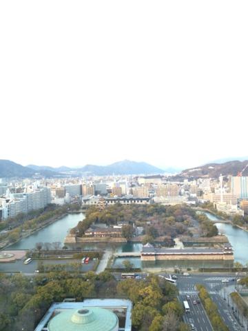 リーガロイヤルホテル広島 客室から望む広島城。