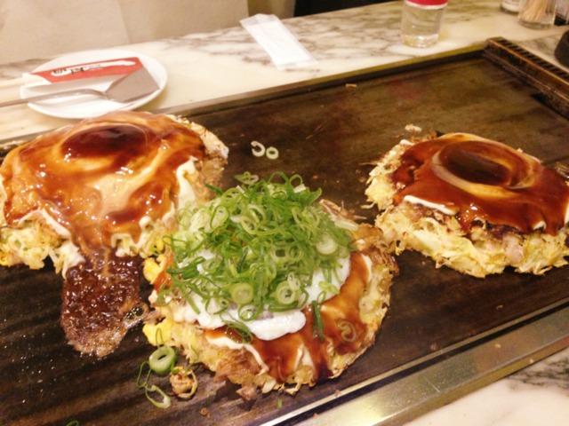ホテル近鉄ユニバーサル・シティ 夕食はユニバーサルシティウォークでお好み焼きを食べました。