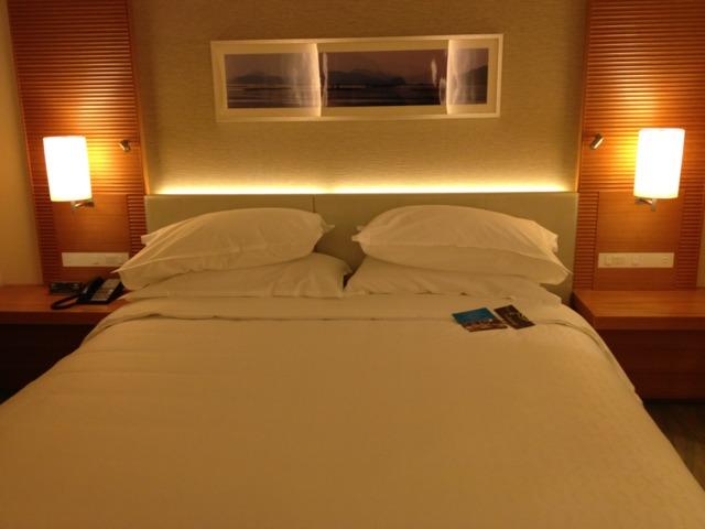 シェラトングランドホテル広島 寝心地に不満ないベッドでした。