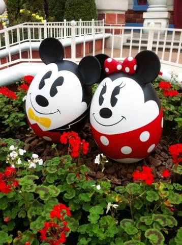 東京ディズニーシー・ホテルミラコスタ(R) イースターエッグのミッキーとミニー。