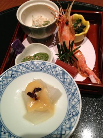 第一滝本館 食事処での夕食。飲み物の種類は程々でしたが料理は美味しかったです。