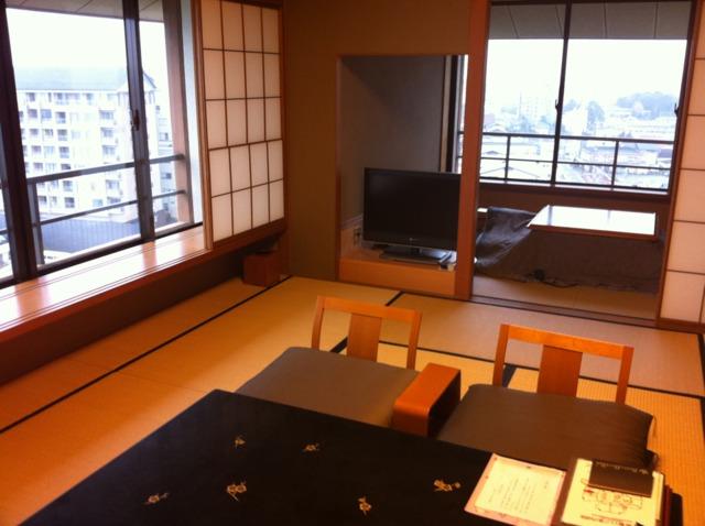 加賀屋 渚亭の海側のお部屋でした。穏やかな海が近くに見え、癒されました。