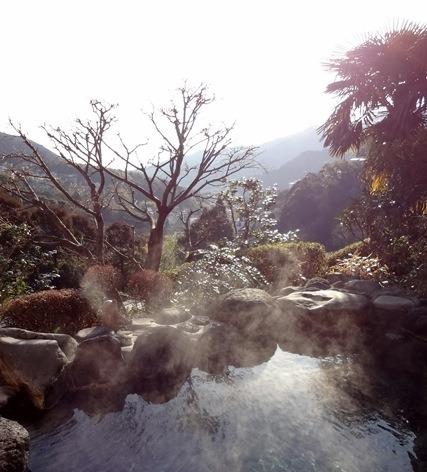 美食と静寂の宿 瑞月 冬の冷たい空気がとても清々しい朝の露天風呂