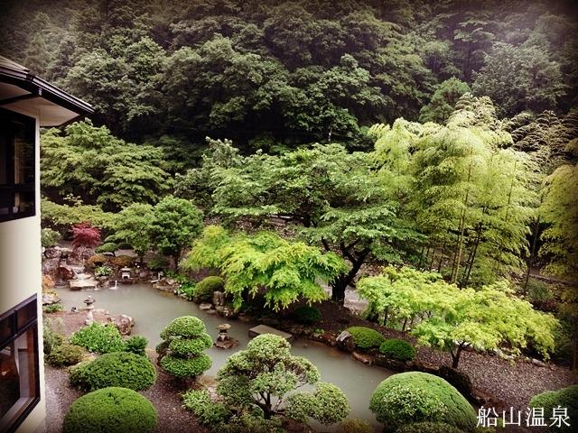 船山温泉 二階の客室203からの眺め