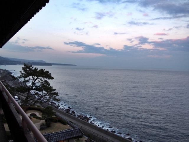 望水 オーシャンビューの部屋から眺めた夕暮れの海