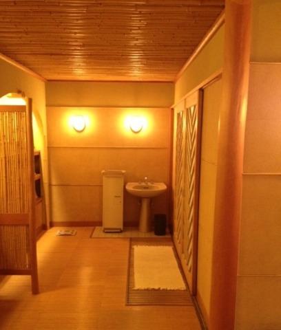 源泉と明治15年創業の歴史あるゆ宿 藤田屋 清潔感のある脱衣場
