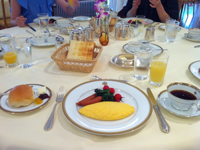 日光金谷ホテル 朝食は洋食と和食が選べました。