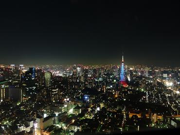 東京シティビューから見る東京タワーが綺麗!