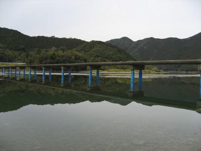 佐田沈下橋(四万十川)