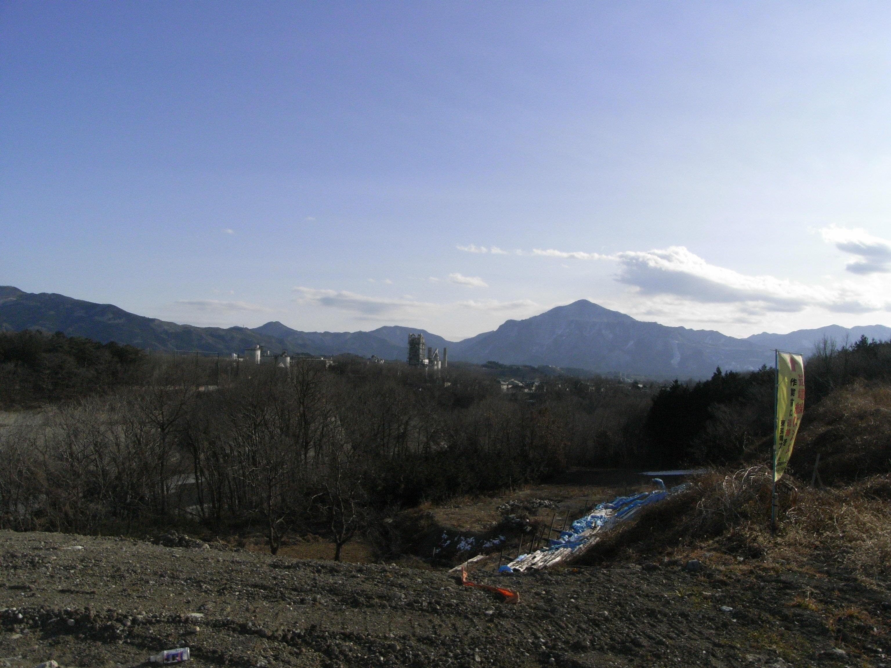 武甲山と太平洋セメントの街