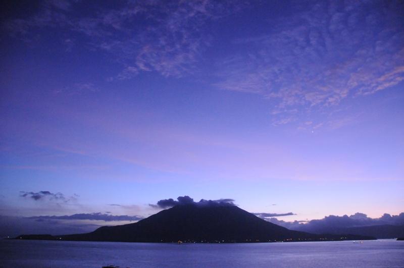 夜明け前の桜島