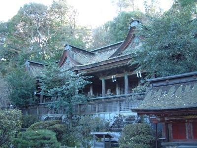 水の気配あふれる神社