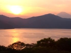 芦ノ湖と富士山の夕焼け