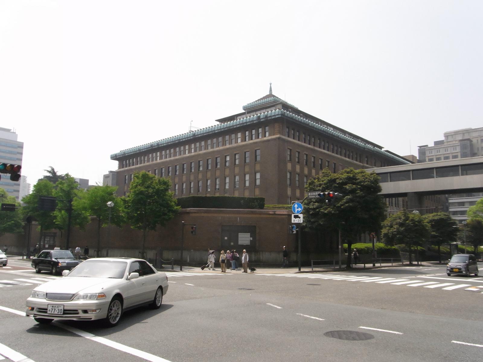 立派な県庁