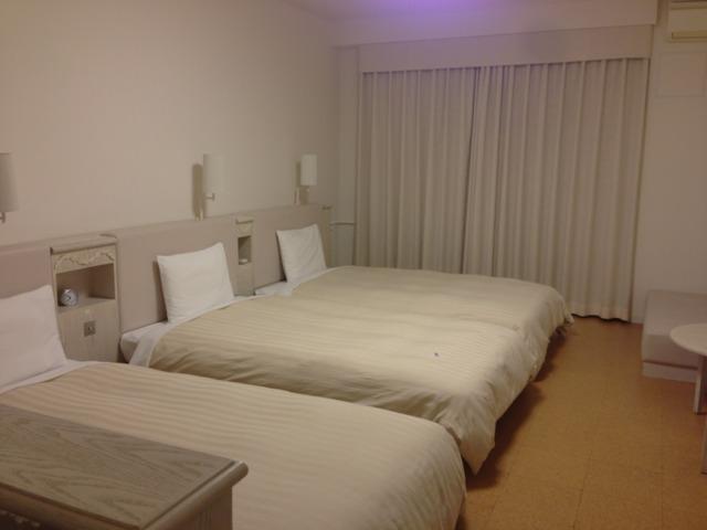 三井ガーデンホテルプラナ東京ベイ バルコニールーム、ベットが三台あってもゆったり