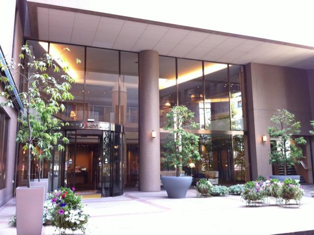 ホテルJALシティ長野 正面玄関あたりには花や緑がたくさん。