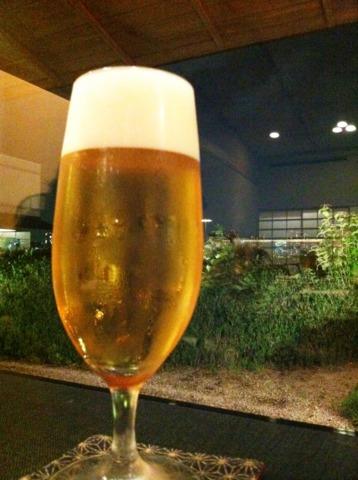 ヒルトン東京お台場 ホテル内のレストランでビール!