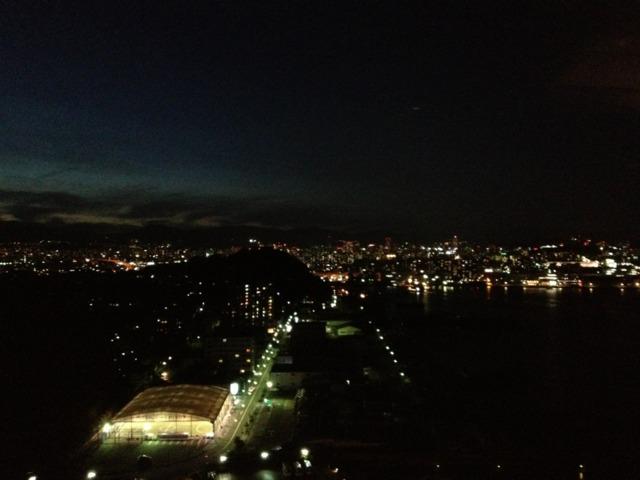 グランドプリンスホテル広島 料理を色々選べてゴージャス!広島市街の夜景が最高でした。