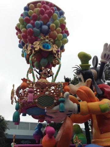 三井ガーデンホテルプラナ東京ベイ 30周年パレード ハピネス・イズ・ヒアのミッキーたち